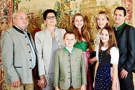 poellfamilie2.jpg
