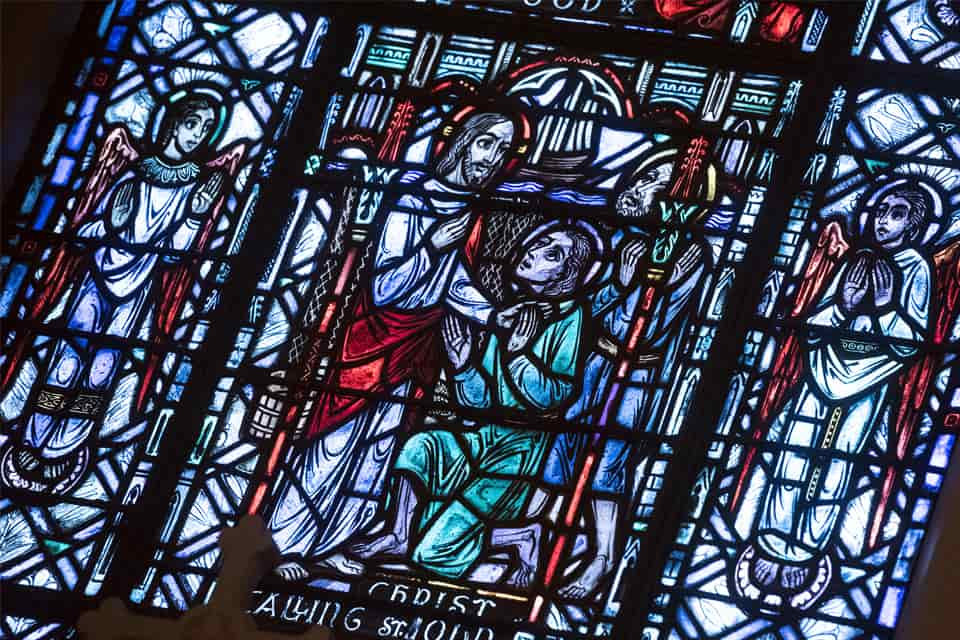 stained-glass-college-church-01-min.jpg