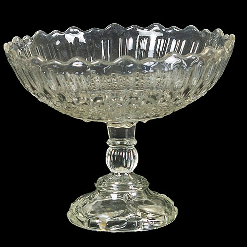 132 Pressed Glass Bowl | Bol en verre pressé
