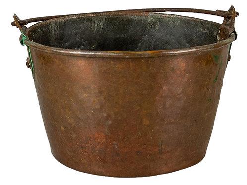 52-53 Small Copper Bucket & Copper Chamber Pot | Petit pot en cuivre & Pot d...