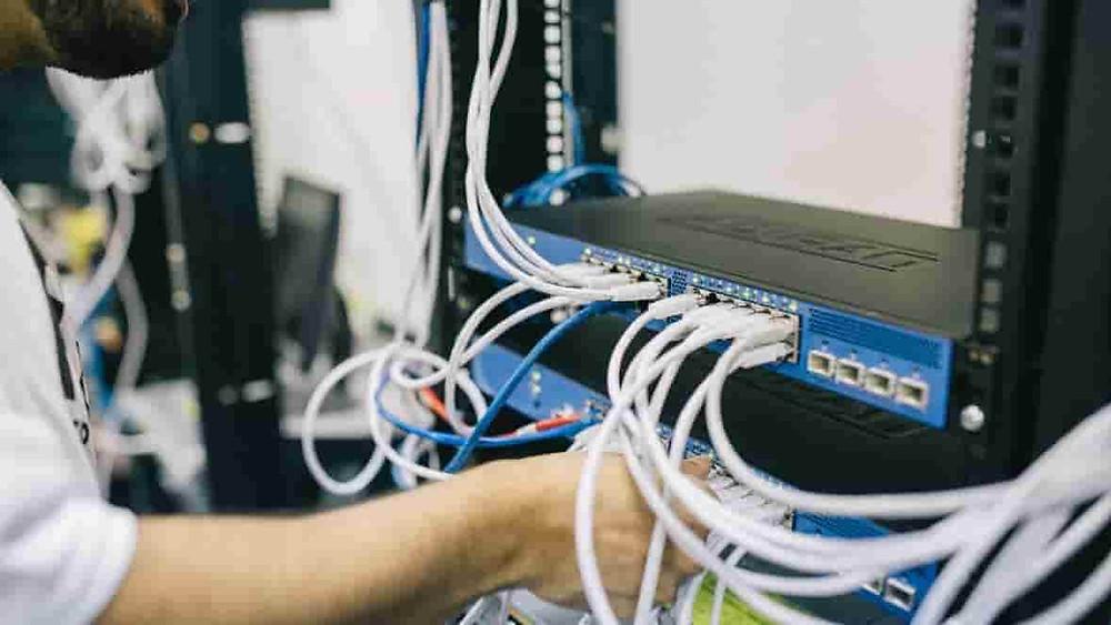 Pemasangan kabel ippabx
