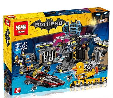 Коробка аналог Lego Batman Movie Нападение на Бэтпещеру | 70909 | LEGOREPLICA