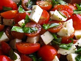Mozzarella Domates Salatası