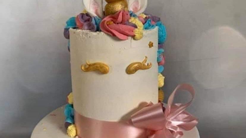 Unicorn Cake (serves 15-20)