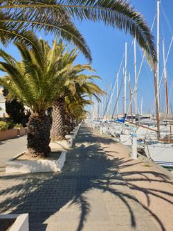 Promenade sur la marina