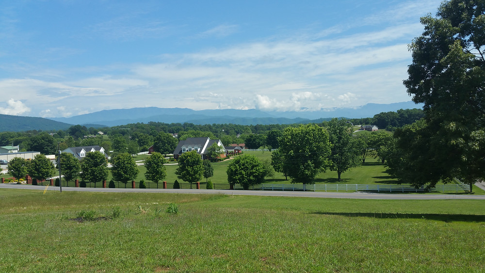 Sevierville Living in the Great Smoky Mountains of East Tennessee