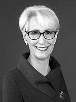 Wendy Sherman Headshot - Sept_edited_edited.jpg