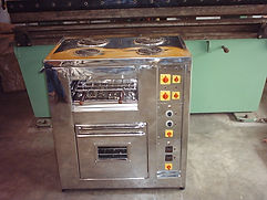4 BURNER ELECTRICAL RANGE WITH OVEN.JPG