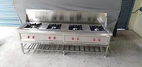 4 burner cooking range with splash back