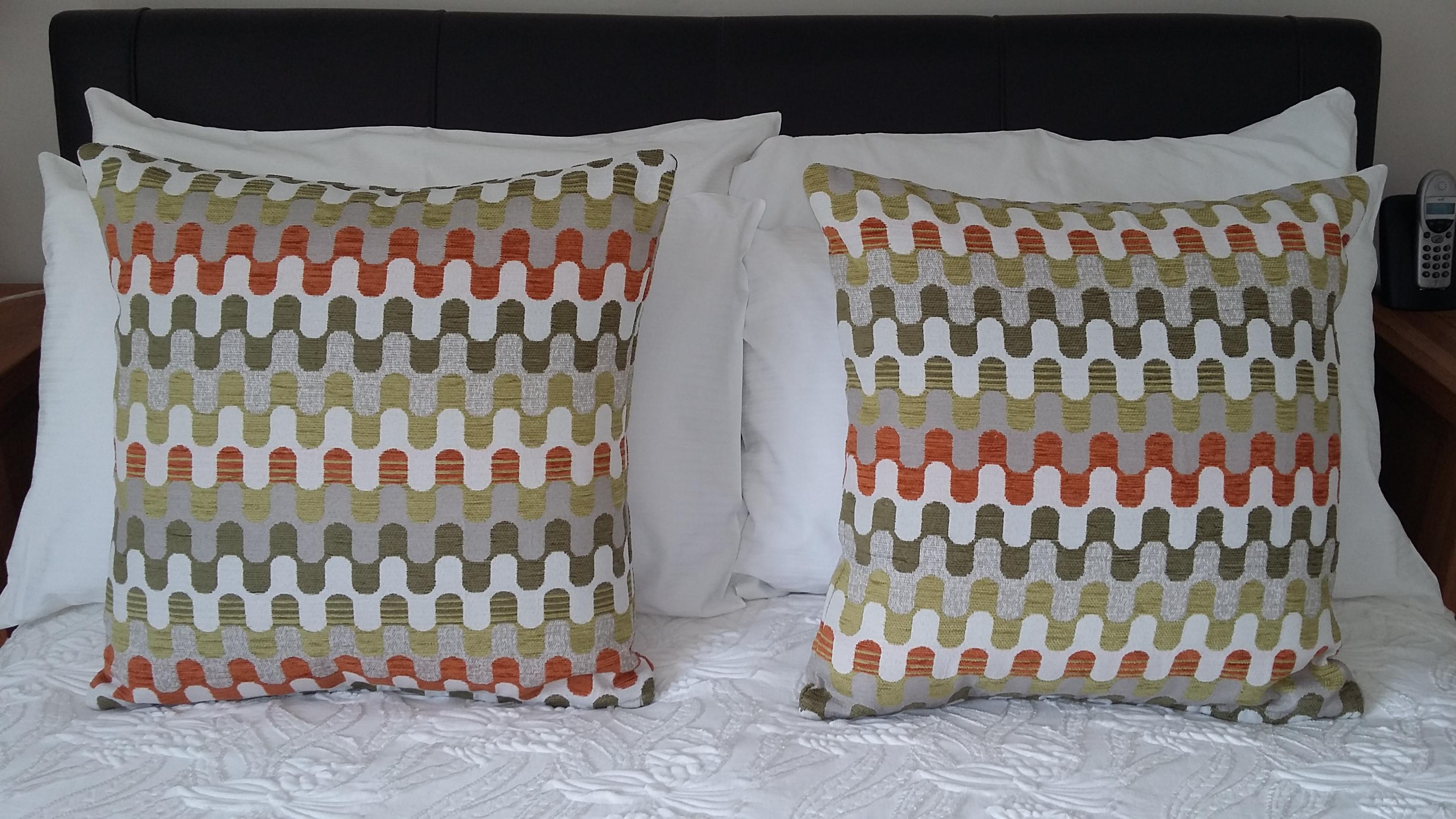 zipped cushion 2