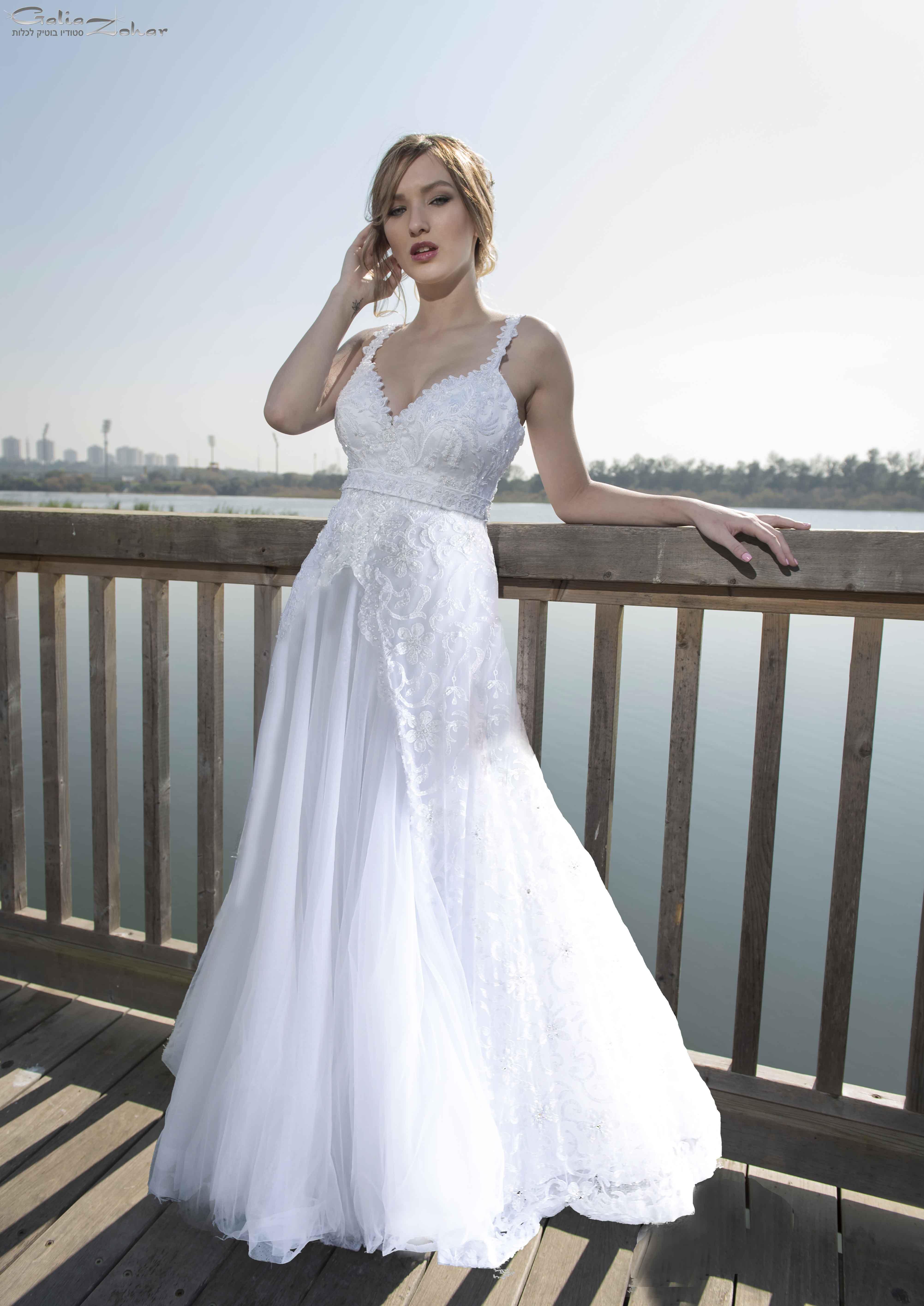 שמלת כלה תחרה בגזרת נסיכה