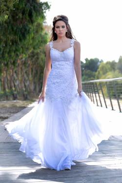 שמלת כלה קלאסית בגזרה צמודה