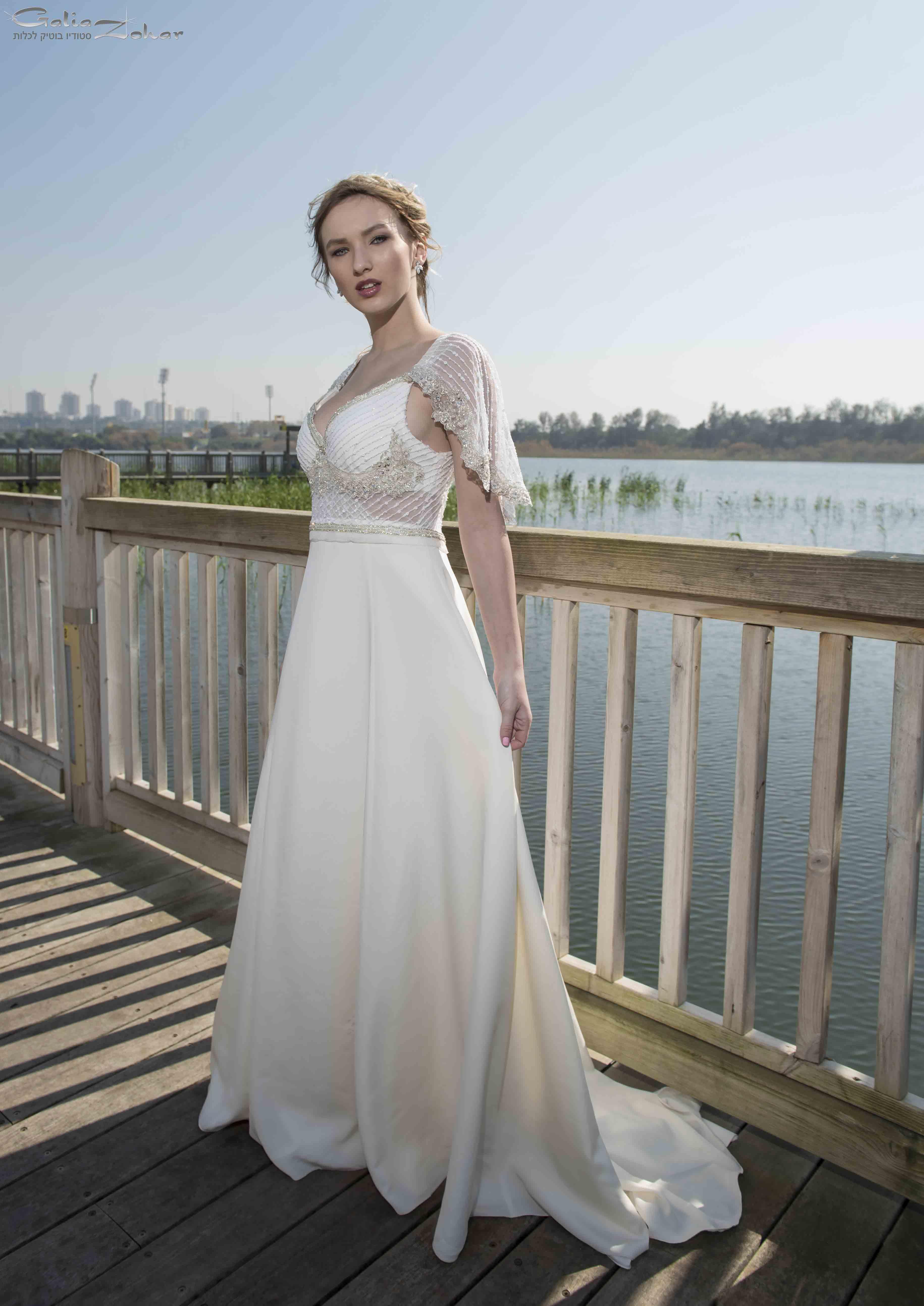 שמלת כלה מוזהבת רומנטית