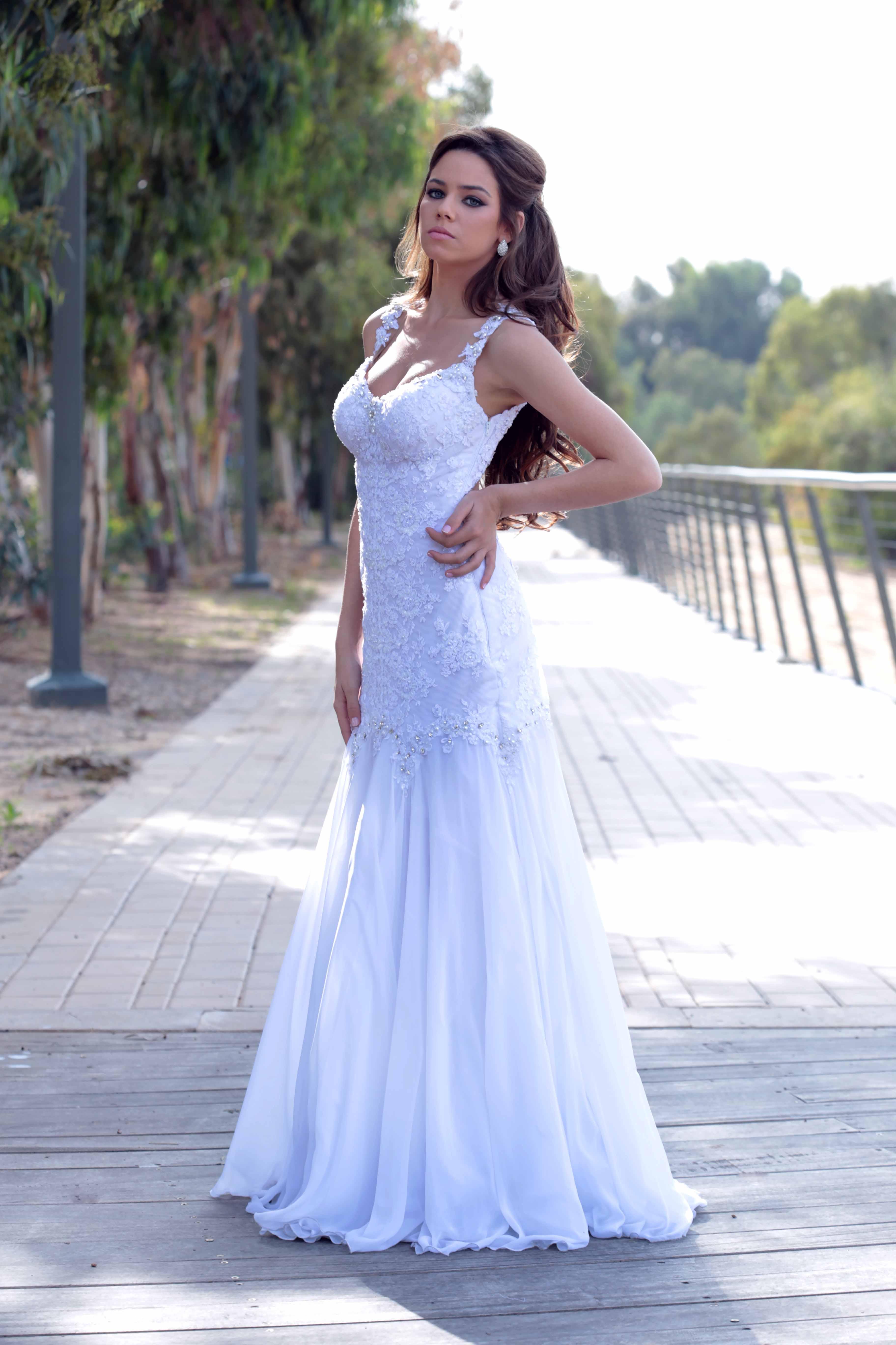 שמלת כלה תחרה מעודנת