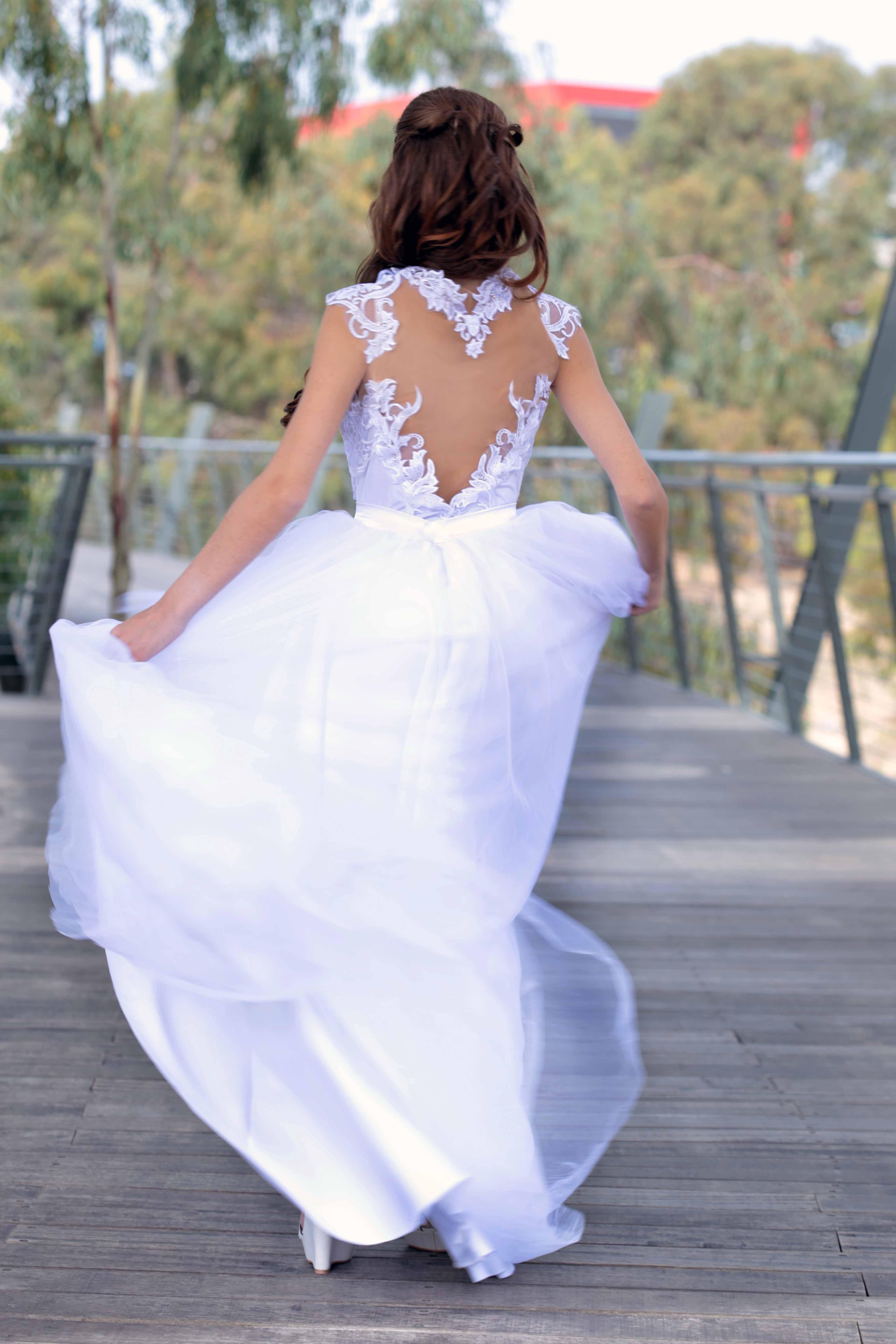 שמלת כלה תחרה גב פתוח