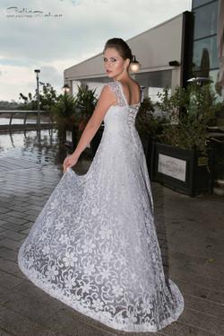 שמלת כלה רומנטית בתחרה