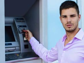 Filhos no exterior. Envio dinheiro agora ou espero o dólar recuar?