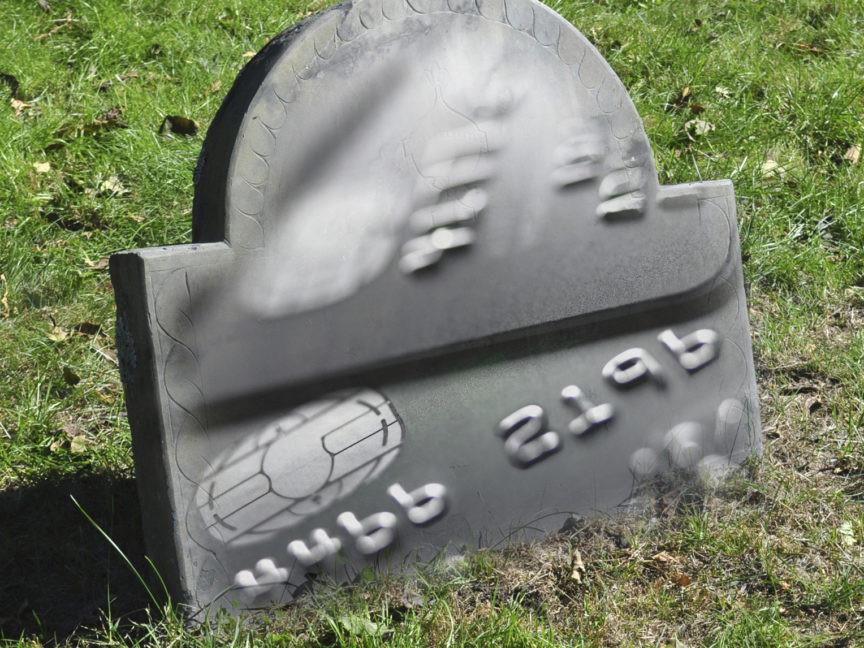 pare de usar cartão de credito no exterior!