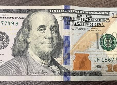 Atenção! Cédulas de dólar com desgaste podem ser rejeitadas na Argentina.