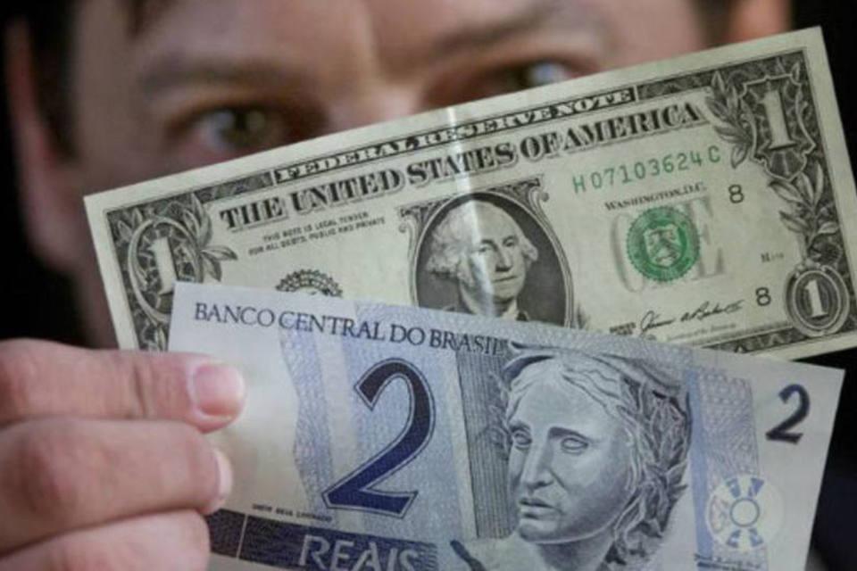 Dolar a 2 reais