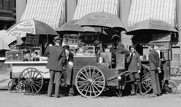 Old NY Hot dog wagon