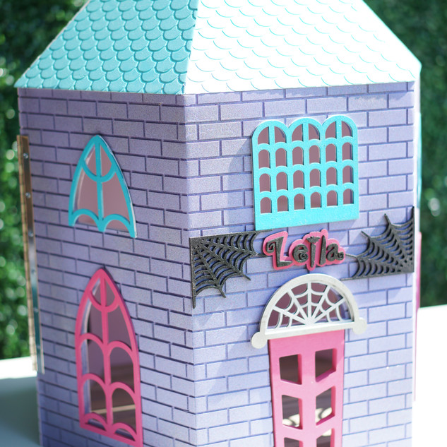 Vampirina Dollhouse