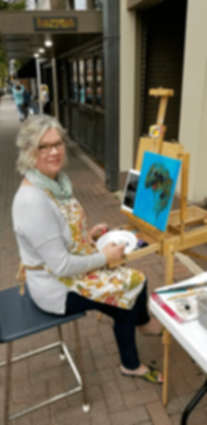 LOA-Leslee-painting-at-MAST-2017-1.png