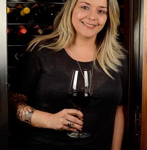 Mentoria de vinho gratuita é projeto inédito criado pela sommelière Gabriela Bigarelli