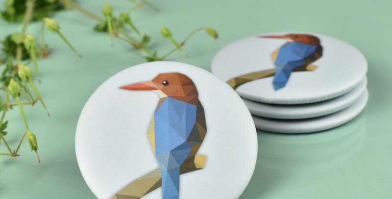 Magnet button Kingfisher - Low-poly art.