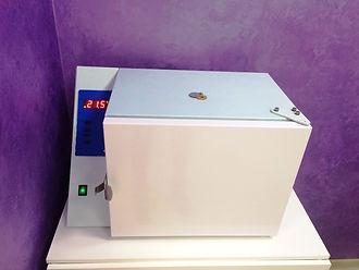 Сухожаровый шкаф для стерелизации инструментов