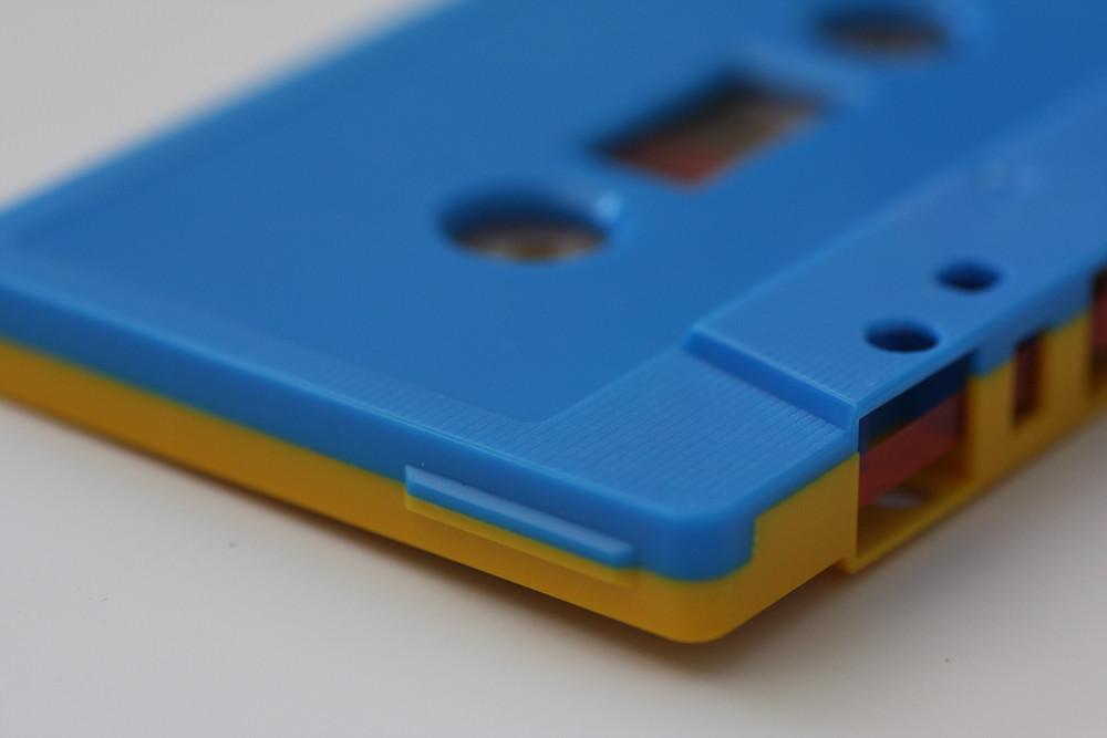 Dual-Coloured Cassette Shell