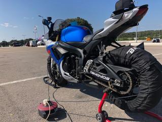 Circuit de vitesse moto, ou comment se préparer pour la récré !!!