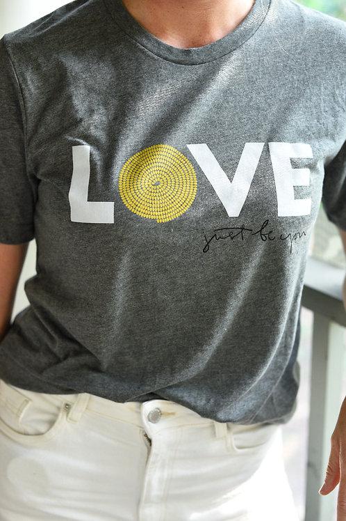LOVE T-shirt: Grey