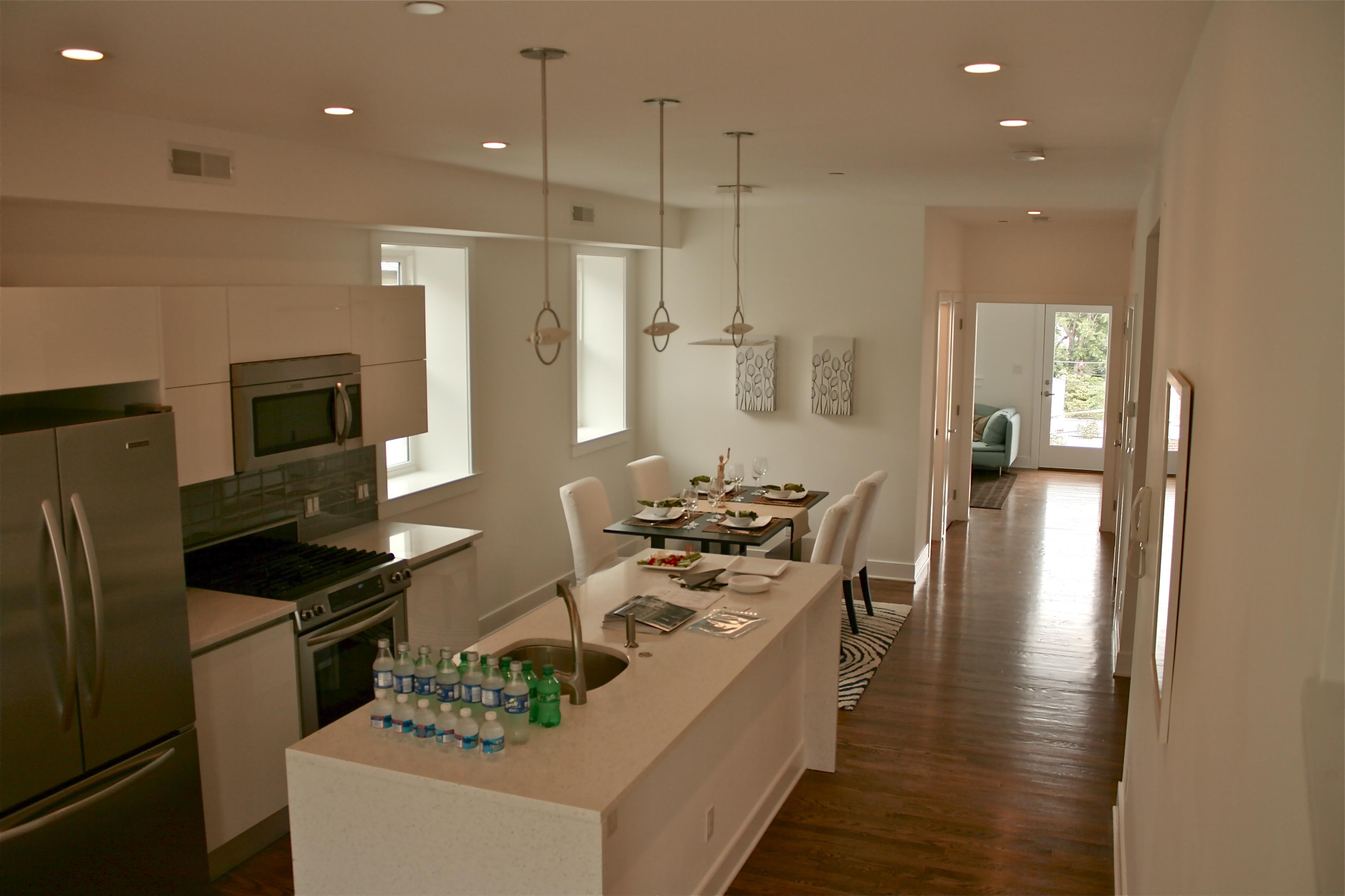 Photo :: Upper Unit Kitchen