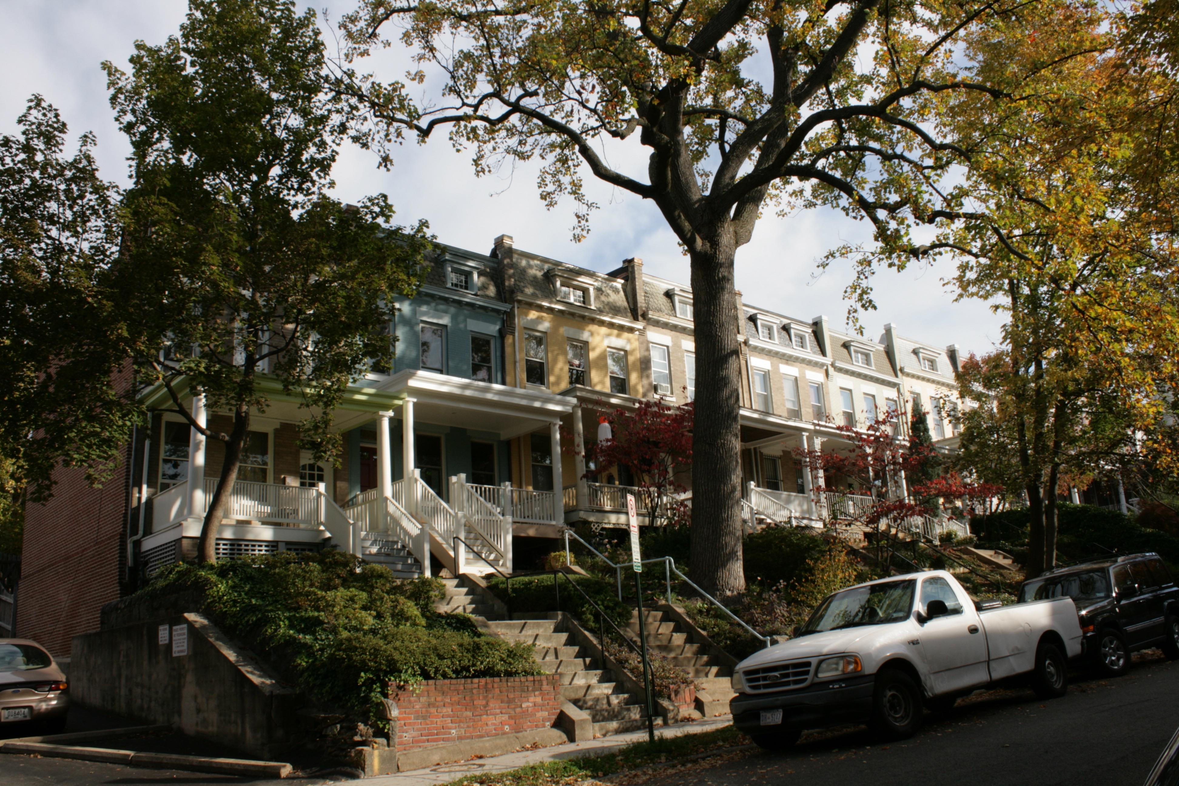 Photo :: Street Elevation
