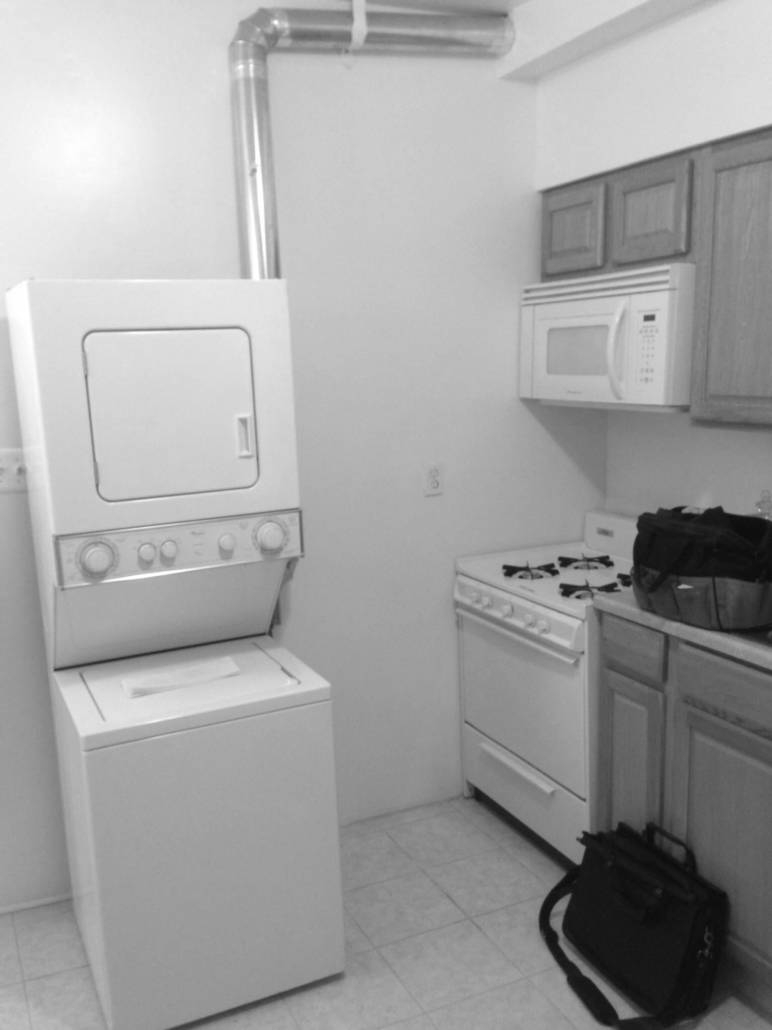 Photo :: Existing Kitchen