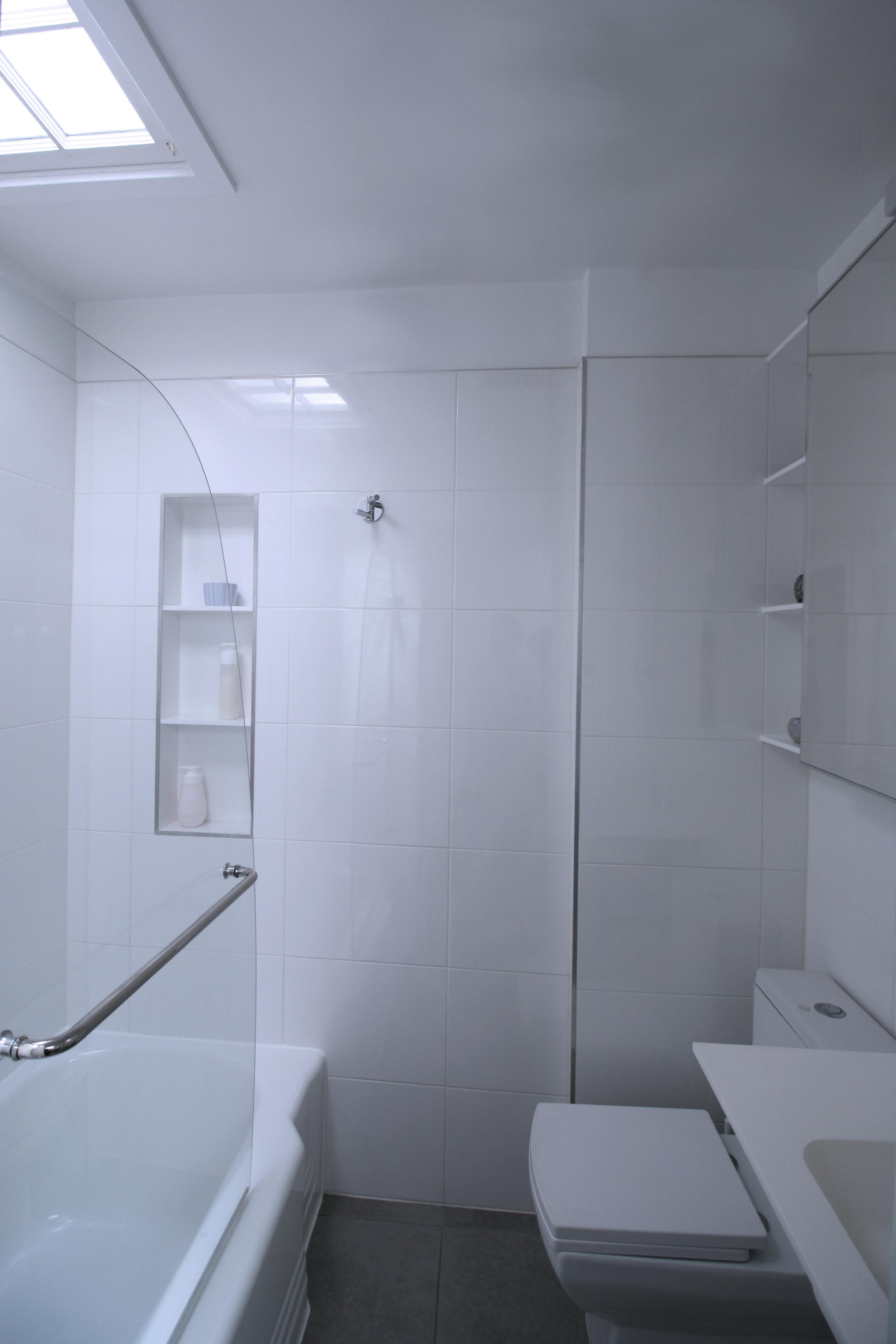 Photo :: Renovated Bathroom