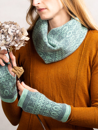 Seed 2 Tree Snood and Mittens