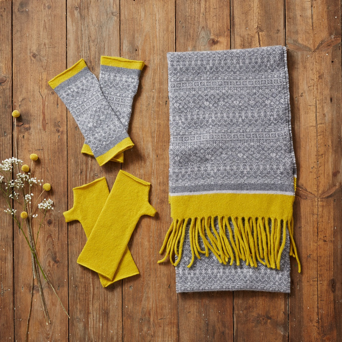 Grey and yellow scarf & mittens