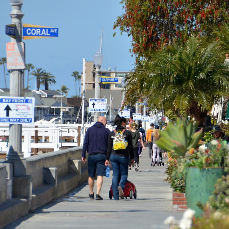 Dinner and Walk Around Balboa Island