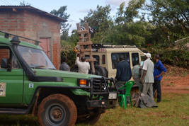 Unloading the safari vehicles