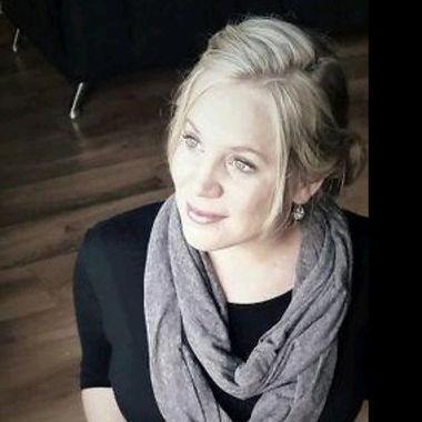 Arina Esterhuizen Photo.jpeg