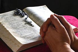 praying_w_bible-ls_red.jpg