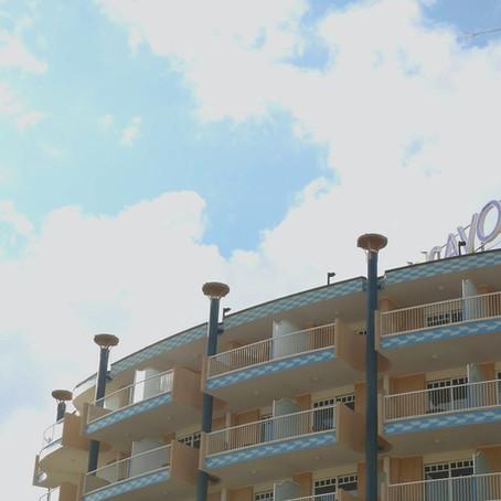 COME AUMENTARE IL TASSO DI CONVERSIONE DI UN HOTEL.                    CON UN VIDEO