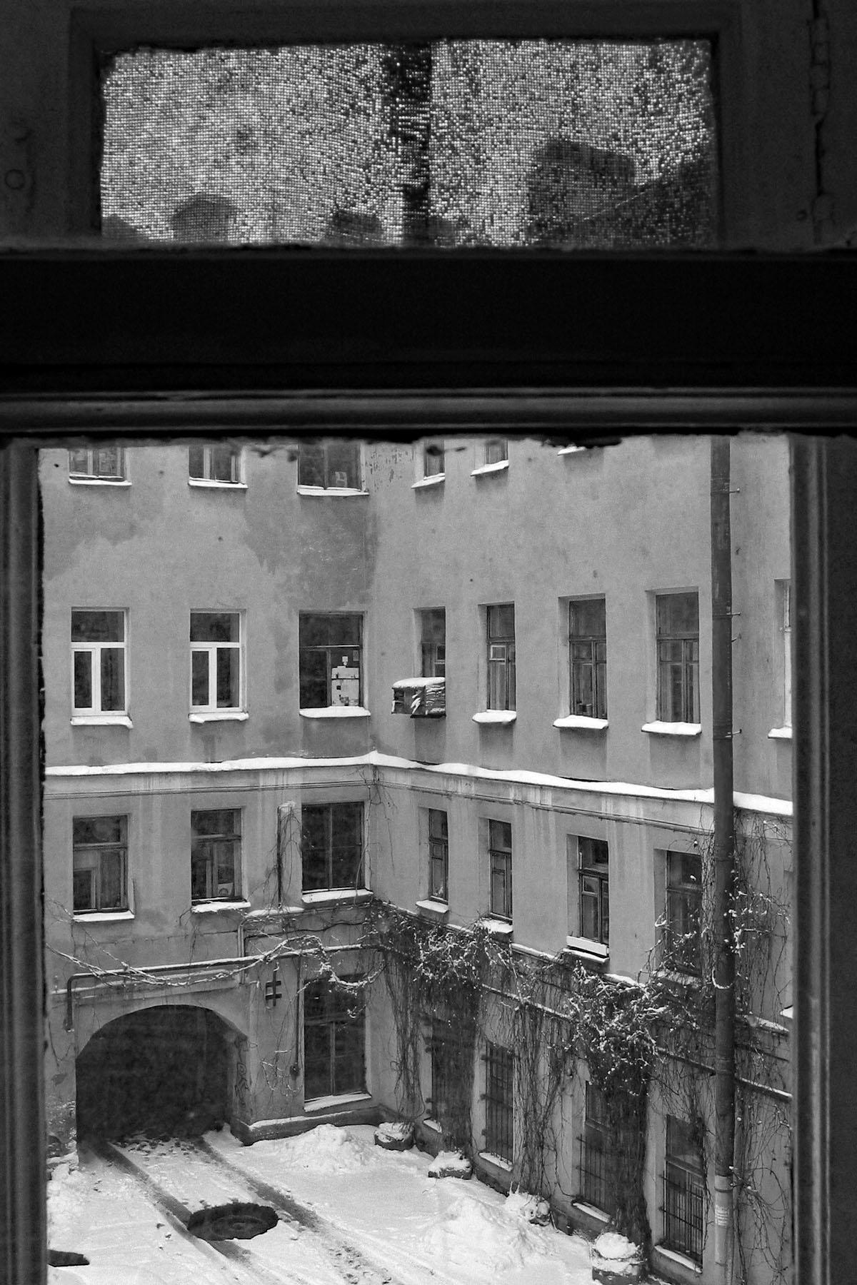 Courtyard_St._Petersburg_Russia