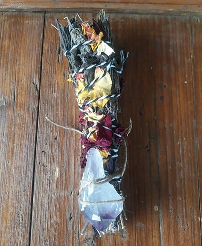 Smudge stick with amethyst