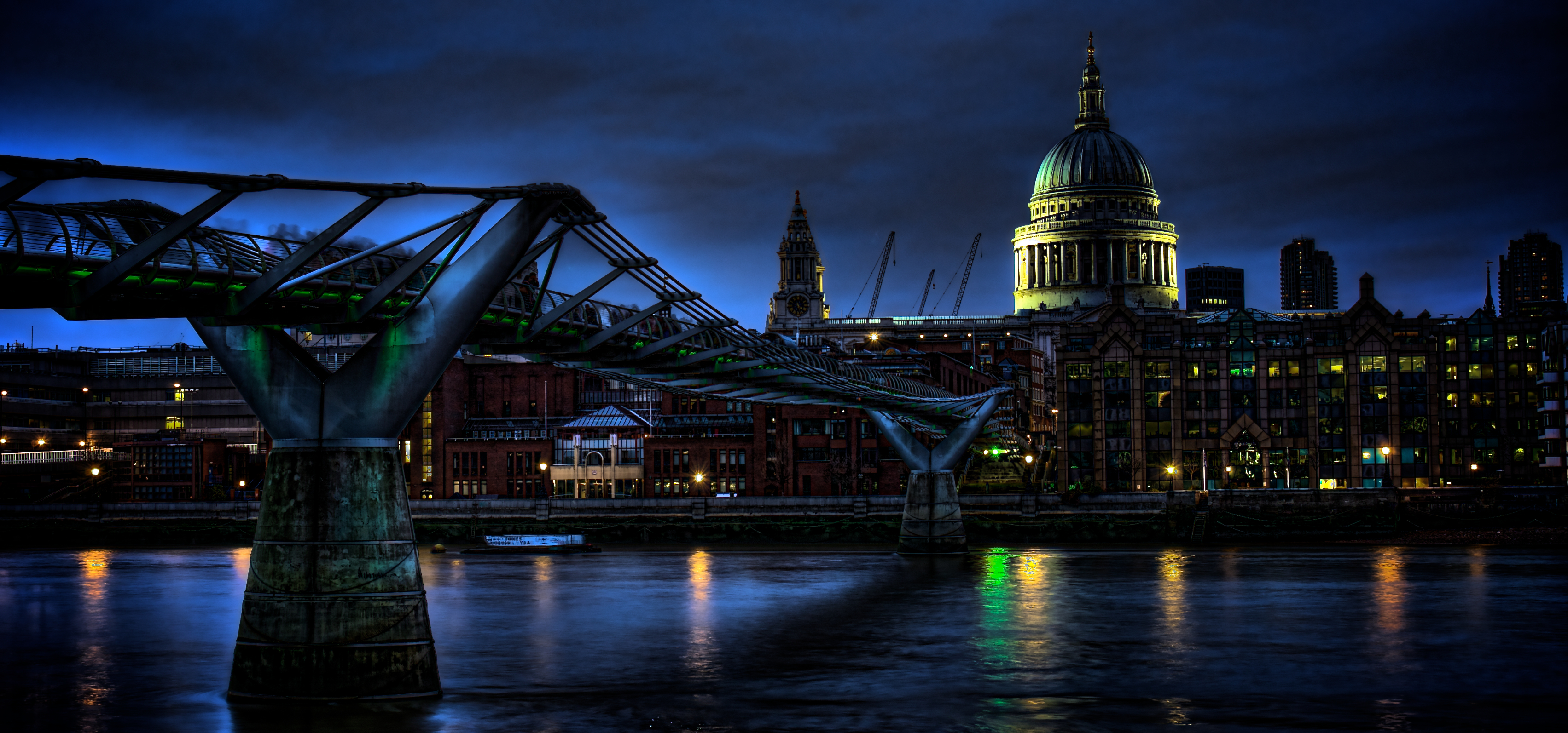 St Pauls and Millennium Bridge, UK