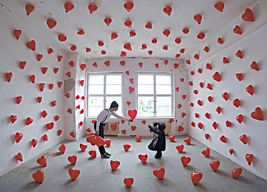 Les ballons rouges - installation artist