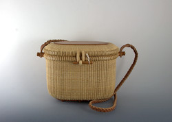 Covered basket 8.5 inch w strap