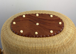 Covered basket 8.5 inch 5